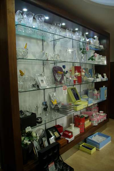 Jewellers-Glass-Shelving-Display