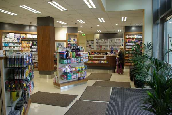 Pharmacy-Interior-Photo-5